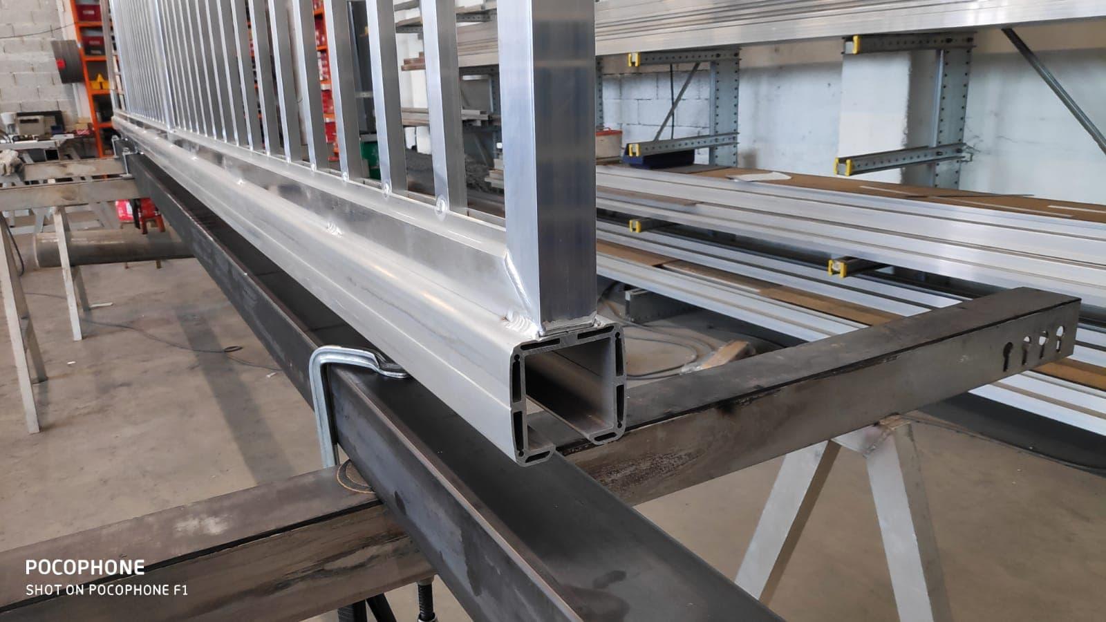 Industrigrindar aluminium